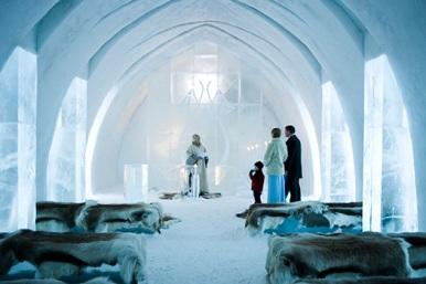 les-paysages-feeriques-d-hiver-l-icehotel-en-suede-03