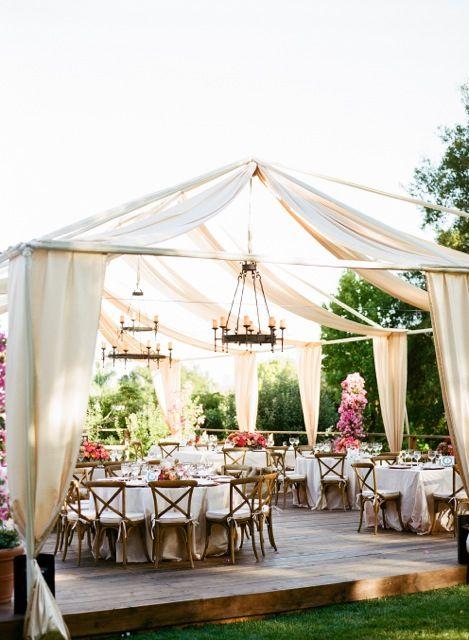 se marier dans son jardin une id e intime et pas ch re save the big date. Black Bedroom Furniture Sets. Home Design Ideas
