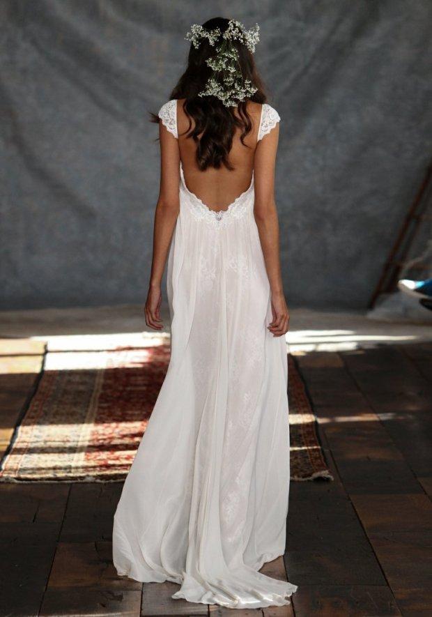 robe-mariée-dos-nu-bretelles-dentelle-coupe-droite-fluide.jpg