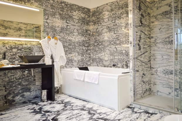 hotel-journee-avec-jacuzzi-Paris-Suite-Royale-9