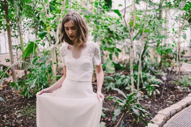Robe-de-mariee-Lyon-Caroline-Takvorian-robe-Charlotte-l-Photo-Robin-et-les-super-heros-l-La-Fiancee-du-Panda-blog-mariage.jpg