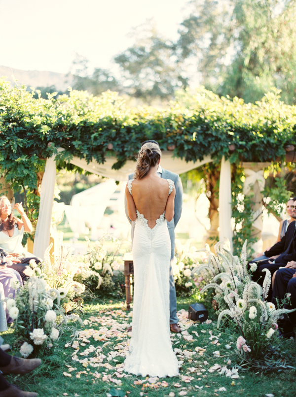 elegant-outdoor-Ojai-Resort-wedding-ideas.png