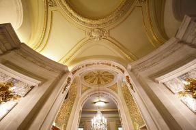 Shangri-La-Paris-ceiling