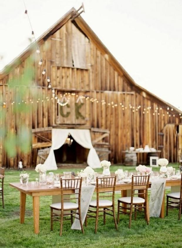 déco-mariage-champêtre-plein-air-deco-florale-blanche-guirlandes-lumineuses.jpg